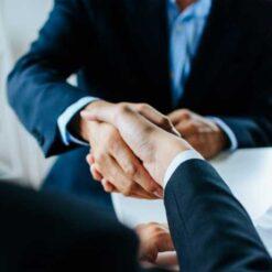 دانلود ترجمه مقاله اعتقادات مذهبی و مذاکرات تجاری بینالمللی : آیا ایمان رفتار مذاکرهکننده را تحتتاثیر قرار میدهد ؟ – الزویر ۲۰۱۸