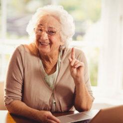 دانلود ترجمه مقاله عوامل مرتبط با خوشحالی در افراد مسن ساکن یک اجتماع – الزویر 2018