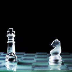 دانلود ترجمه مقاله ارتباط بین کیفیت عایدات و مالکیت نهادی استراتژیک